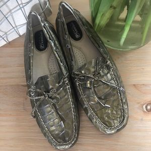 Sperry 7.5 Crocodile Non Marking Loafers